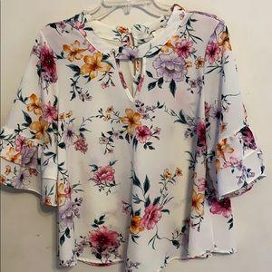 Pretty white floral blouse size large